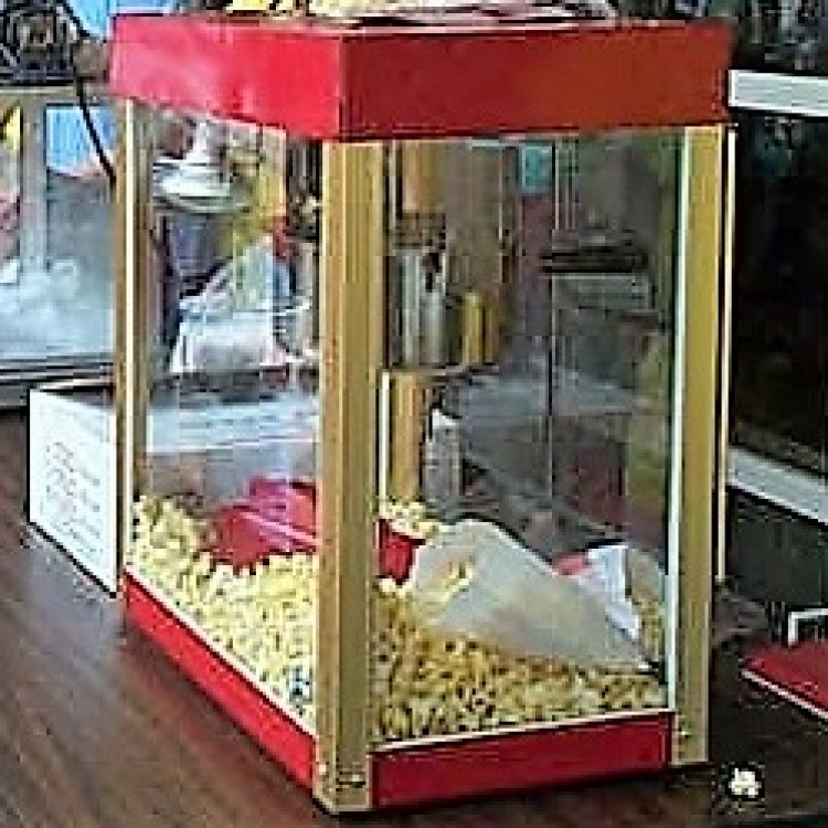 Popcorn Machine w/supplies for 100